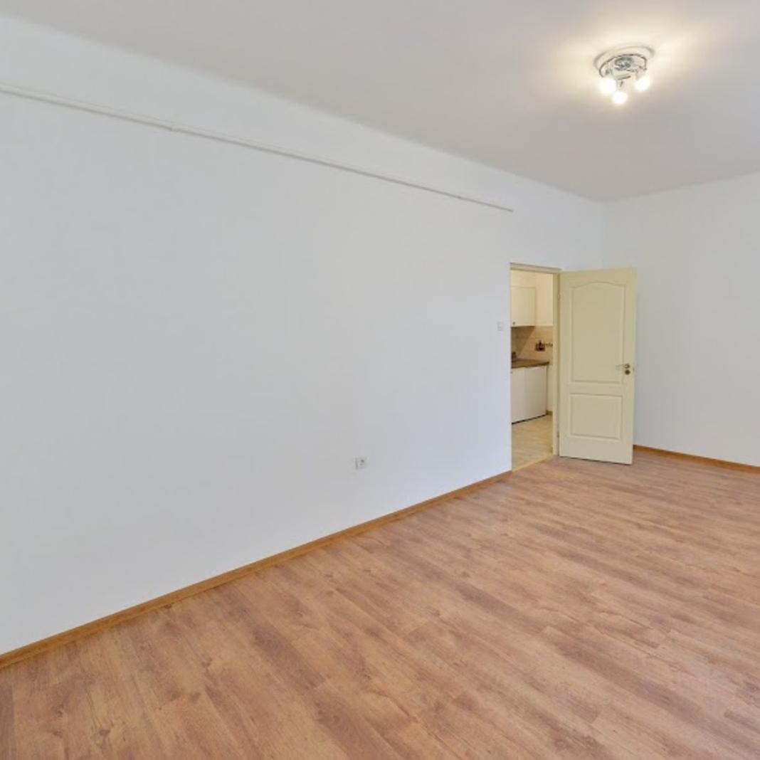 Eladó  téglalakás (Budapest, V. kerületBudapest, V. kerület, Haris köz) 38 M  Ft