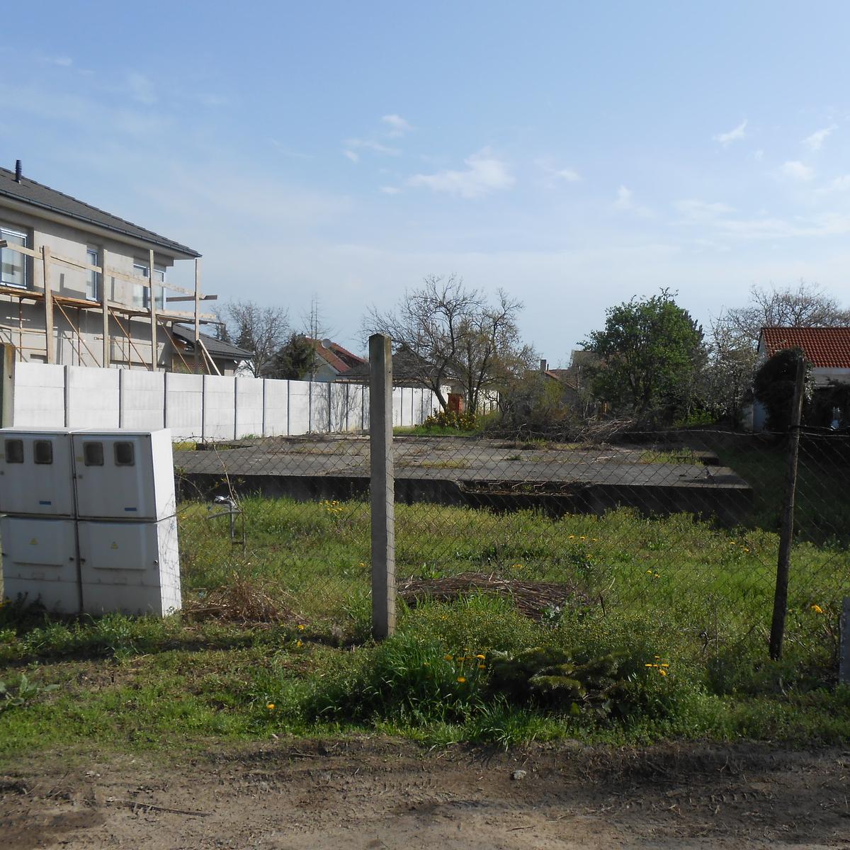 Eladó  telek (Szeged) 23,6 M  Ft