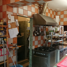 Eladó  melegkonyhás vendéglátóegység (Budakeszi, Szilvamag) 95 M  Ft