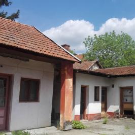 Eladó  családi ház (Békéscsaba, Békéscsaba-Belváros) 18,2 M  Ft