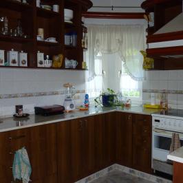Eladó  családi ház (Kondoros) 49,9 M  Ft