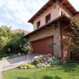 Eladó  családi ház (Budapest, XV. kerület) 184,99 M  Ft