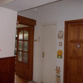 Eladó  családi ház (Erdőkertes) 25,75 M  Ft