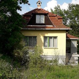 Eladó  családi ház (Gyermely) 6,9 M  Ft