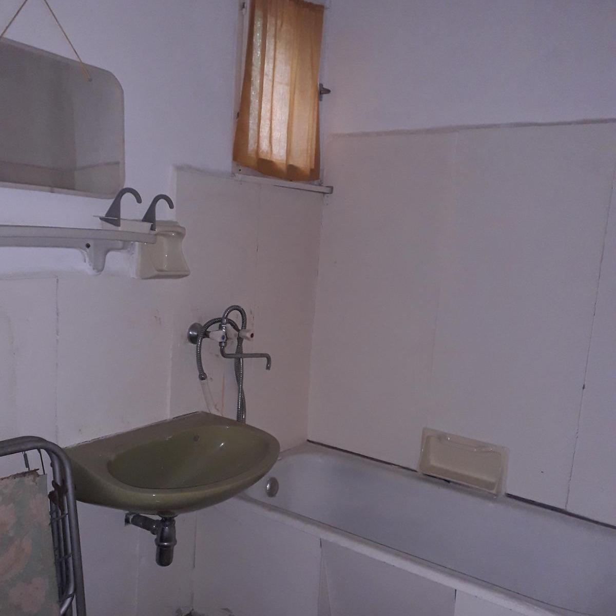 Eladó  családi ház (Gyermely, Szőlő sor) 6,9 M  Ft