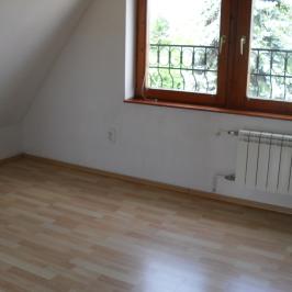 Kiadó  családi ház (Budapest, III. kerület) 490 E  Ft/hó