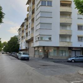 Kiadó  iroda földszinti, utcai (<span class='notranslate'>Budapest, XIV.  </span>kerület) 250 E   <span class='notranslate'>Ft</span>/hó