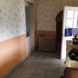 Eladó  családi ház (Paks) 11 M  Ft +ÁFA