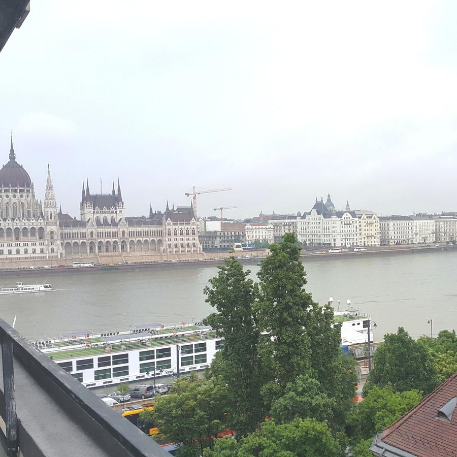 Kiadó  téglalakás (Budapest, II. kerületBudapest, II. kerület, Bem rakpart) 300 E  Ft/hó +ÁFA