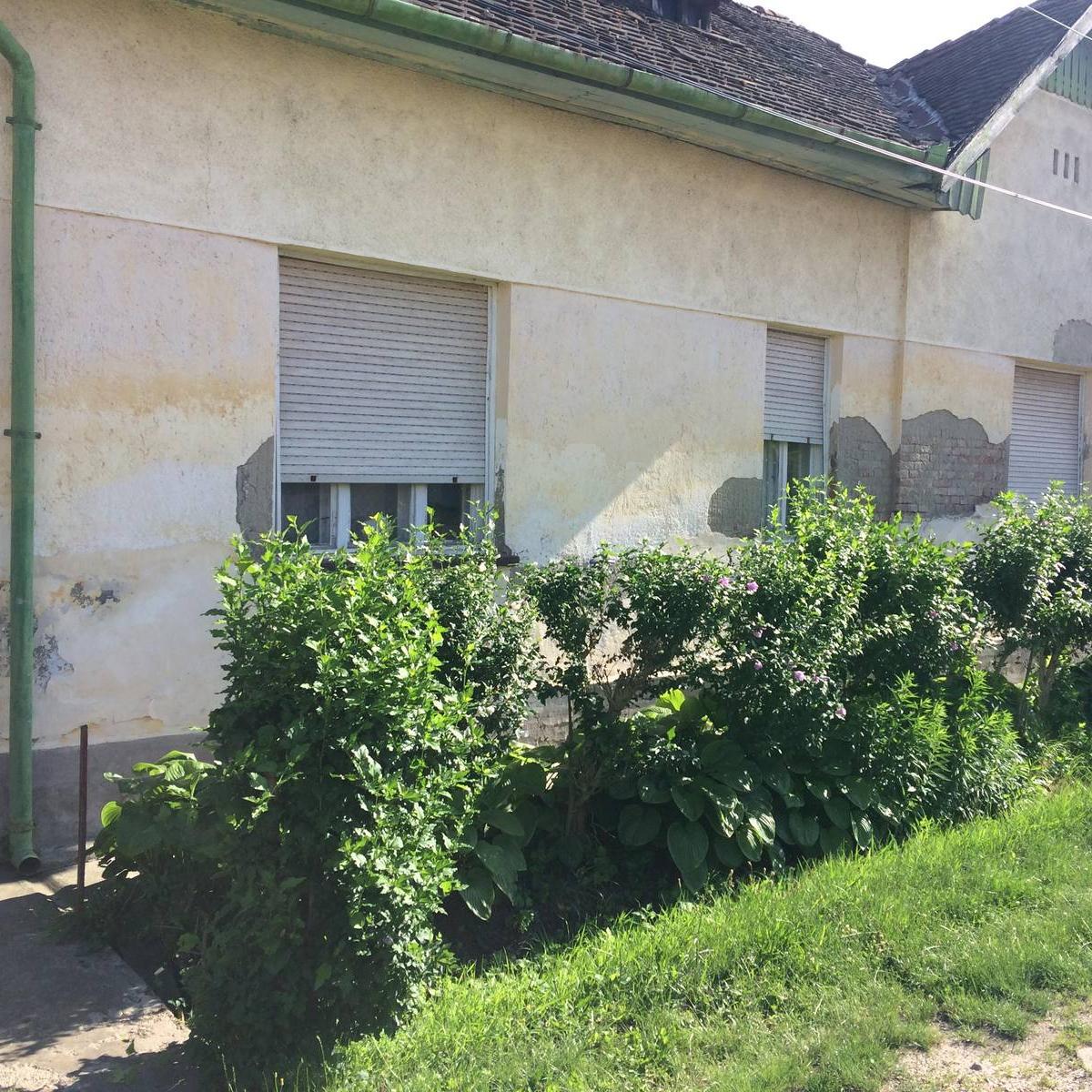 Eladó  családi ház (Jász-Nagykun-Szolnok megye, Karcag, Kígyó utca) 11 M  Ft