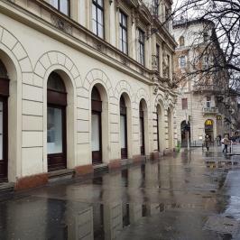 Eladó  üzlet (<span class='notranslate'>Budapest, VIII.  </span>kerület) 520 M   <span class='notranslate'>Ft</span> +ÁFA