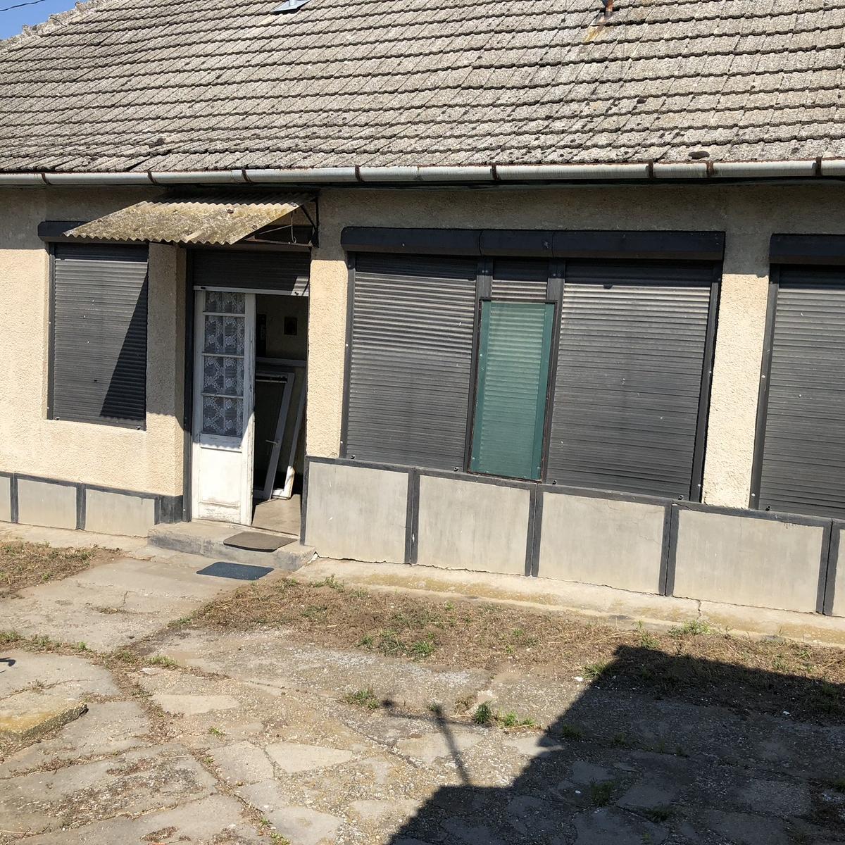 Eladó  családi ház (Tolna megye, Paks) 10,5 M  Ft