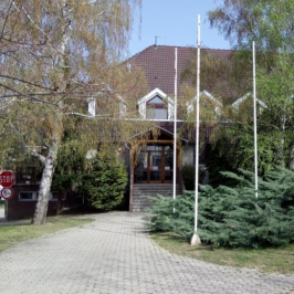 Kiadó  iroda (Szekszárd, Palánk) 27,2 E  Ft/hó +ÁFA