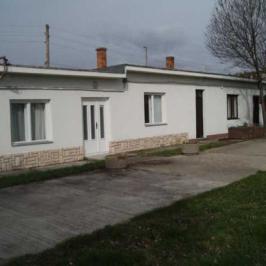 Kiadó  iroda földszinti, utcai (Pécs) 200 E  Ft/hó +ÁFA