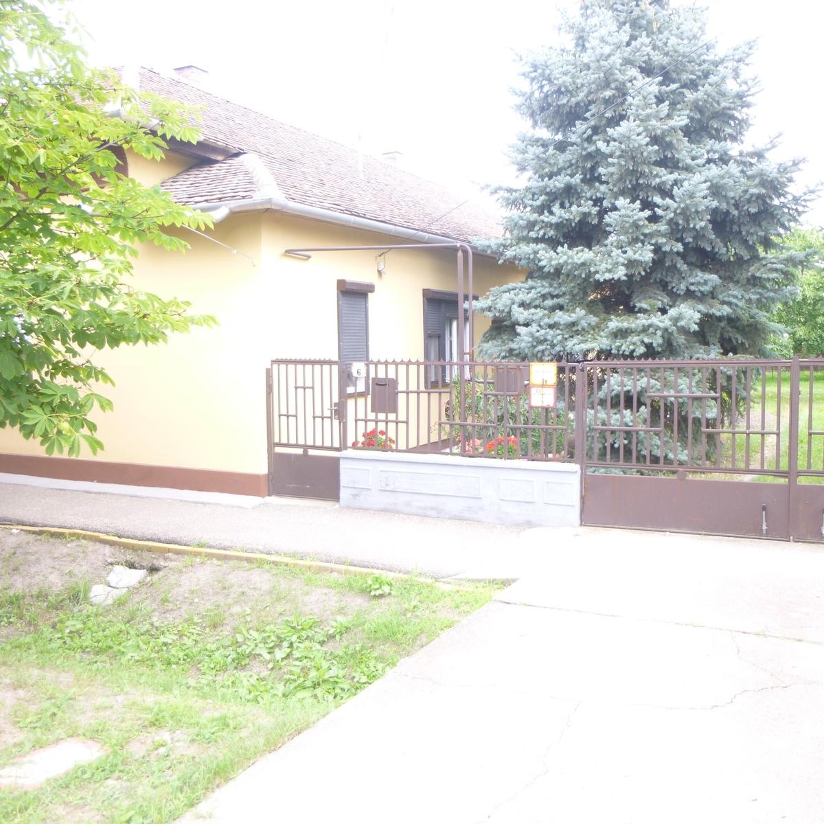 Eladó  családi ház (Karcag) 12,7 M  Ft