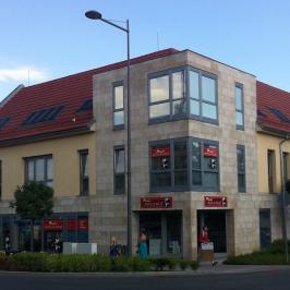 Kiadó  üzlethelyiség utcai bejáratos (Paks) 1,96 M  Ft/hó