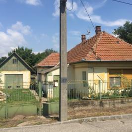 Eladó  családi ház (Taksony) 15,8 M  Ft