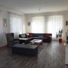 Eladó  családi ház (Kecskemét, Belváros) 56,9 M  Ft