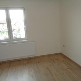 Eladó  családi ház (Nyíregyháza, Borbánya) 59,9 M  Ft
