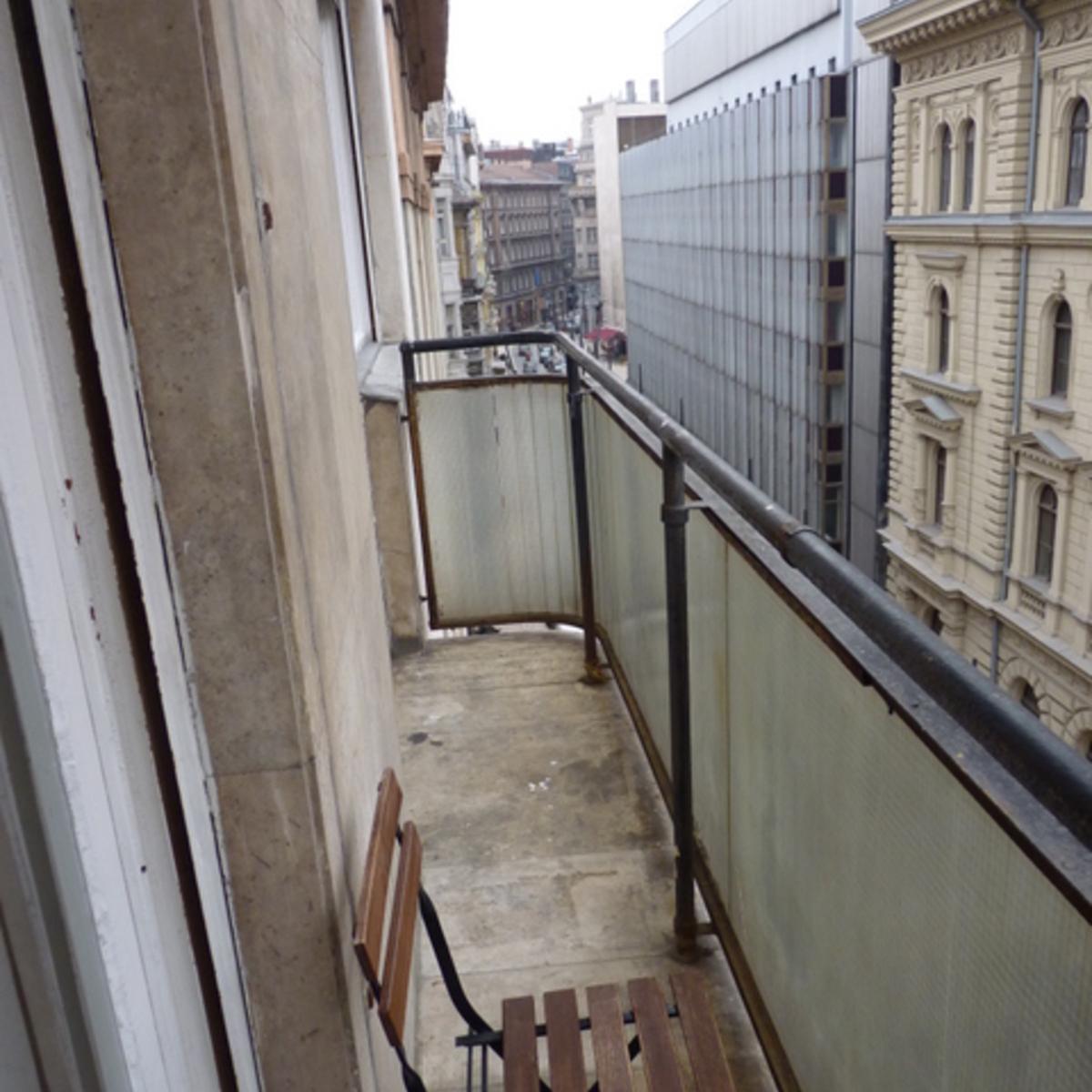 Kiadó  téglalakás (Budapest, V. kerület) 210 E  Ft/hó