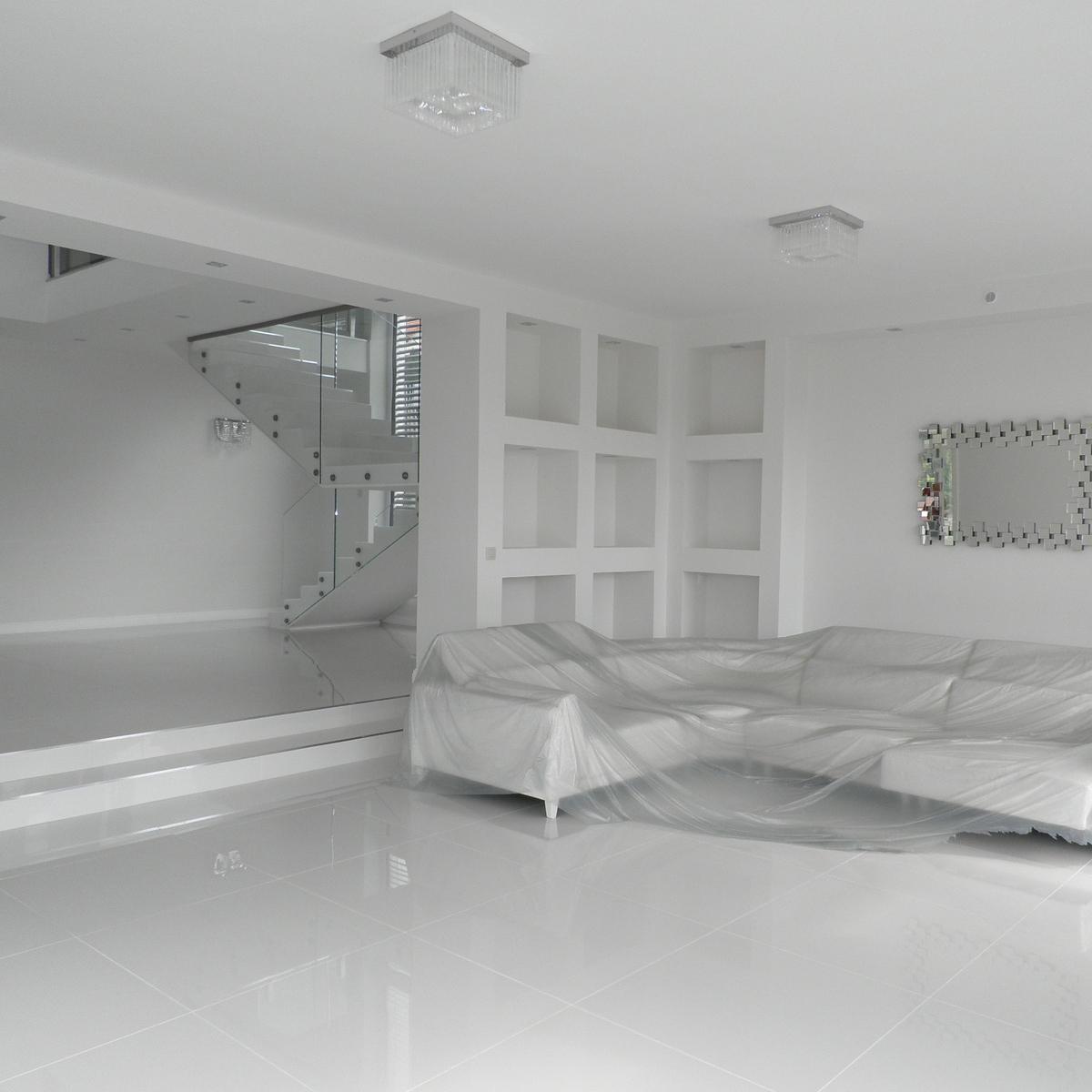 Eladó  családi ház (Üröm) 270 M  Ft
