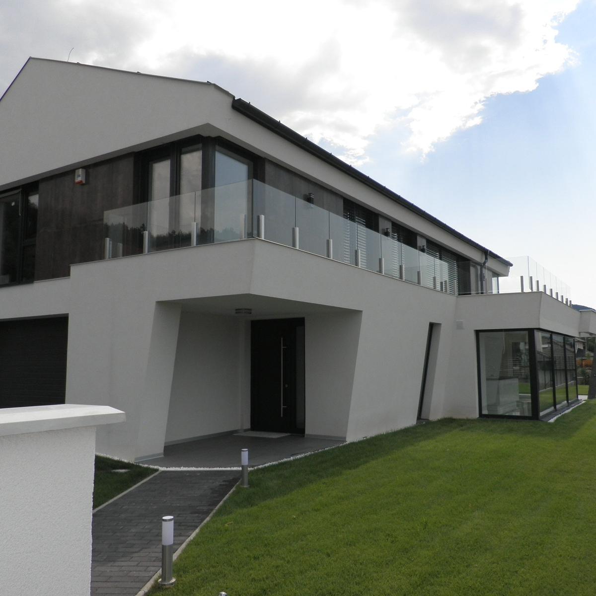 Kiadó  családi ház (Üröm) 1,5 M  Ft/hó