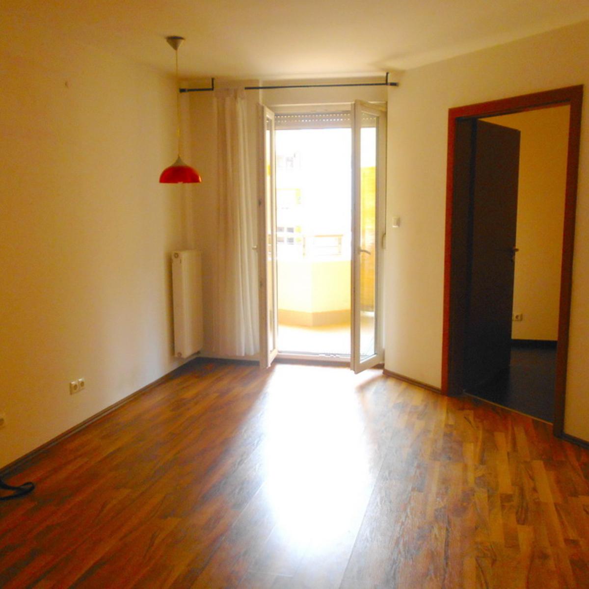 Eladó  téglalakás (Budapest, VIII. kerület) 30,5 M  Ft