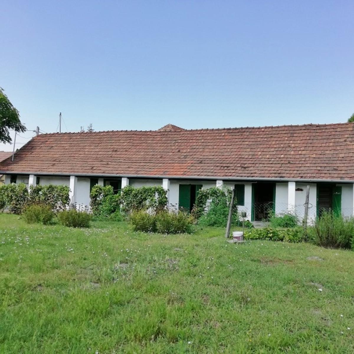 Eladó  családi ház (Tököl) 12,5 M  Ft