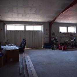 Eladó  ipari ingatlan (Paks) 400 M  Ft