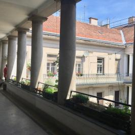 Eladó  téglalakás (Budapest, V. kerület) 79,8 M  Ft