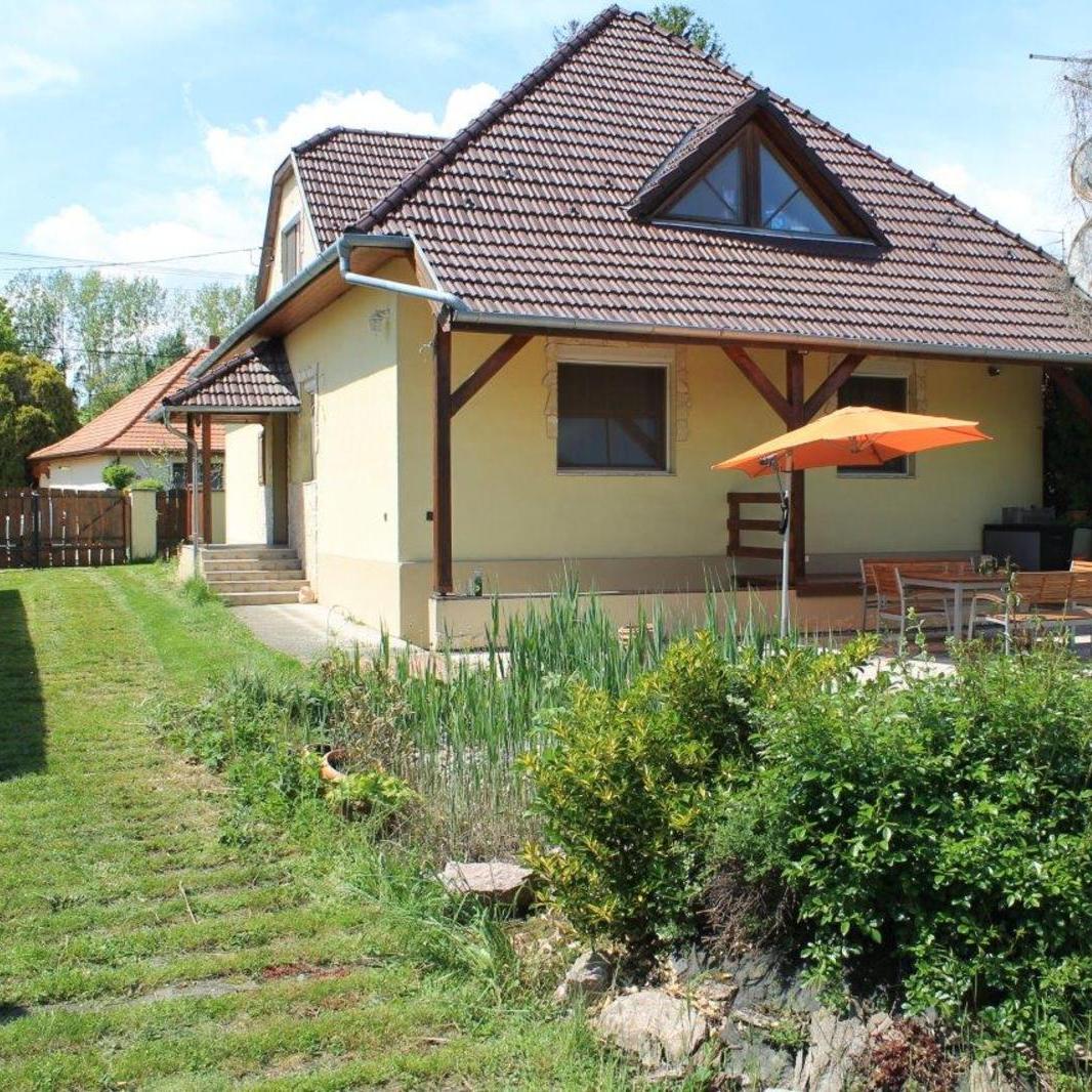 Eladó  családi ház (Dunasziget) 36 M  Ft