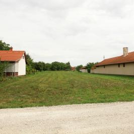 Eladó  telek (Dunaföldvár, Öreghegy) 9 M  Ft