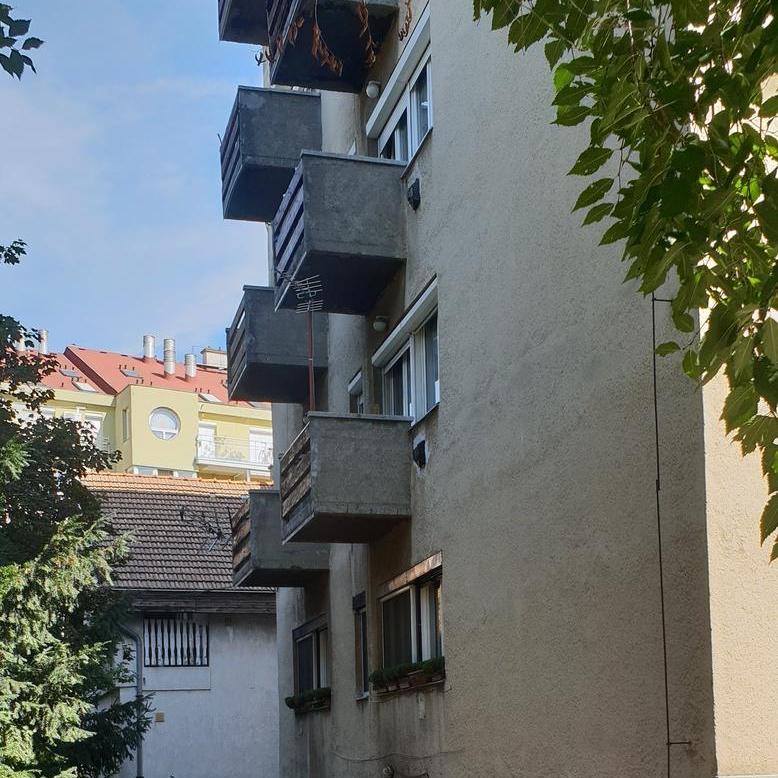 Eladó  téglalakás (Budapest, XII. kerület) 53 M  Ft