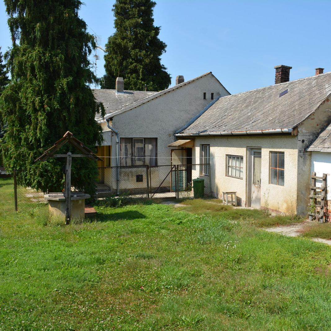 Eladó  családi ház (Gelsesziget) 4,5 M  Ft