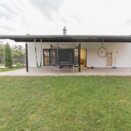 Eladó  családi ház (Orosháza, Szőlő) 99 M  Ft