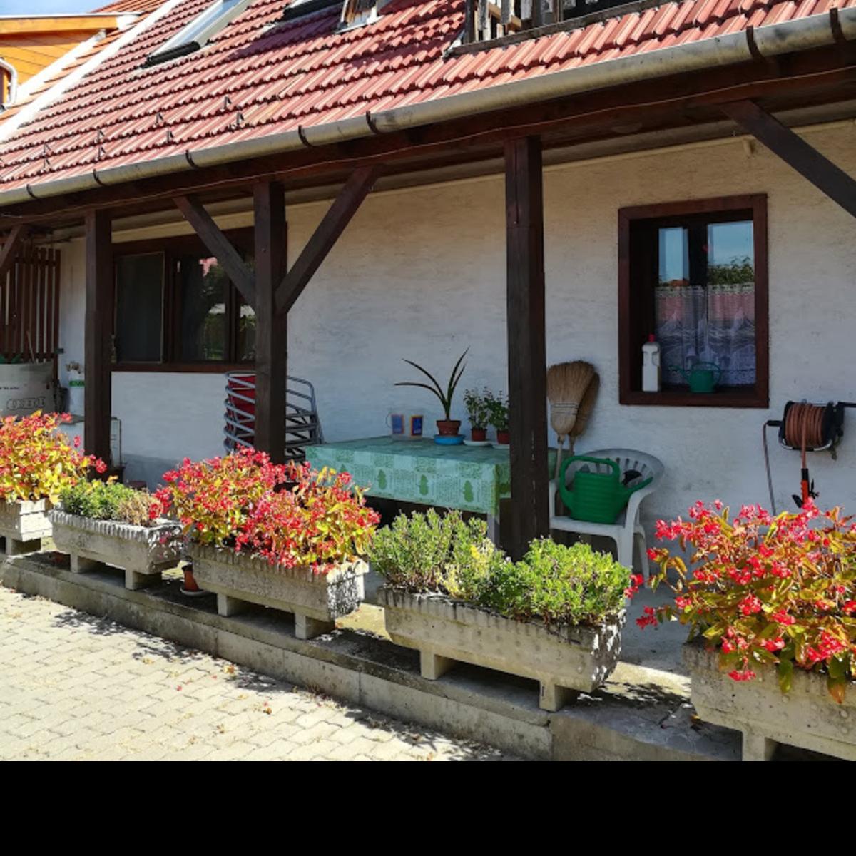 Eladó  családi ház (Budakeszi) 41,9 M  Ft