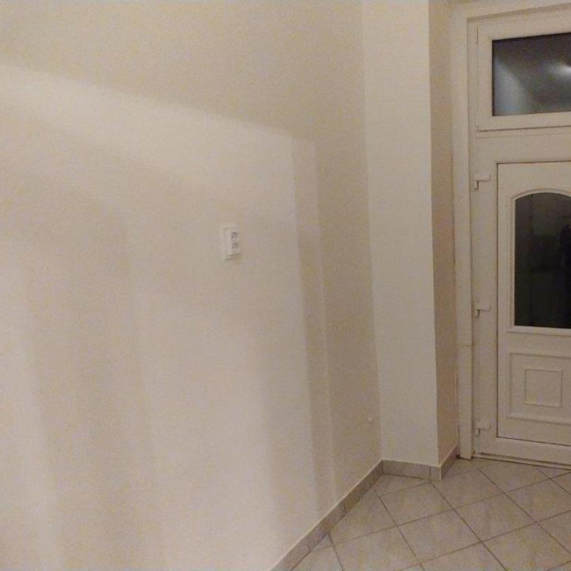 Eladó  házrész (Budapest, IV. kerületBudapest, IV. kerület, Kossuth Lajos u.) 17,9 M  Ft