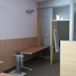 Eladó  iroda (Dunaújváros) 86 M  Ft