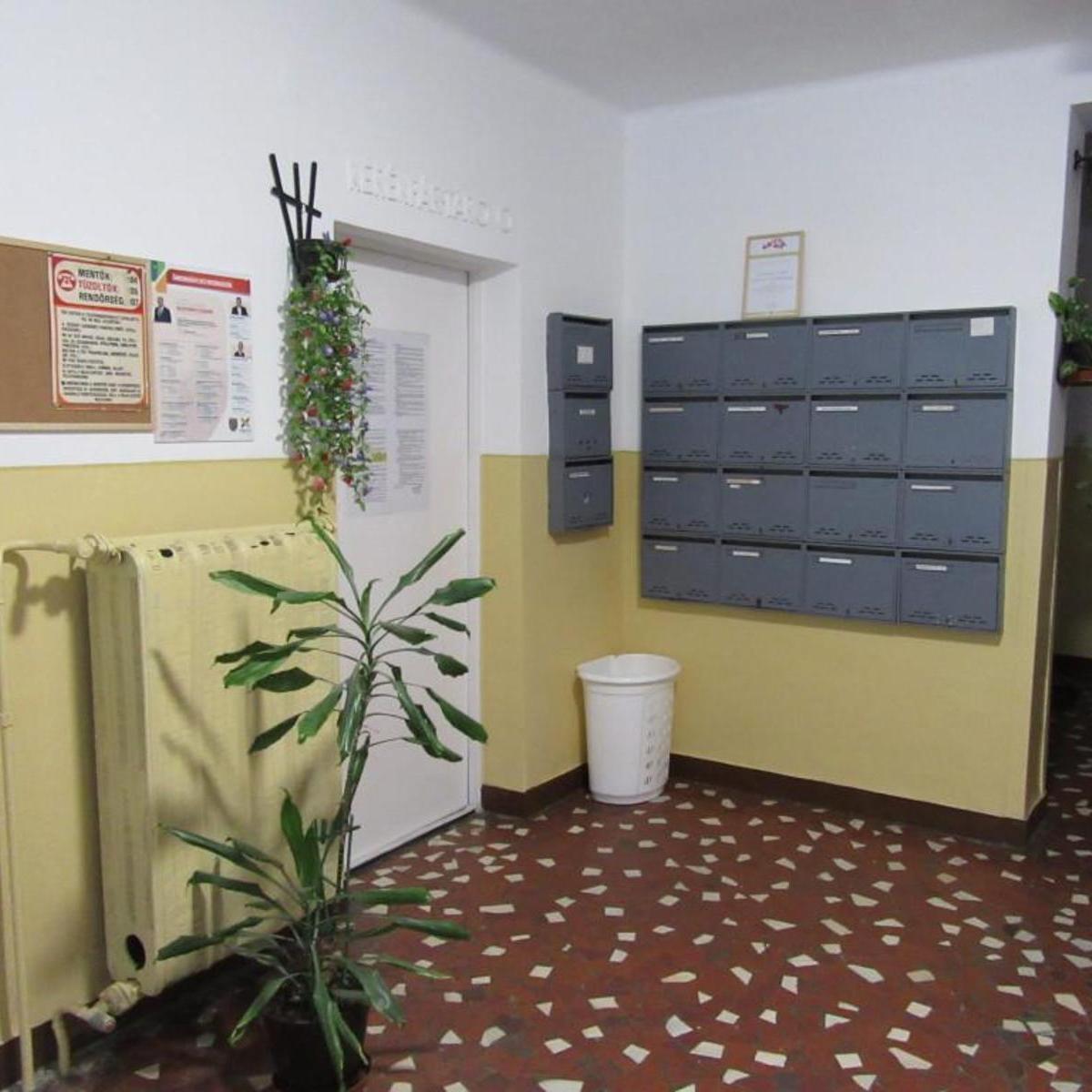 Eladó  panellakás (Budapest, X. kerület) 24,5 M  Ft