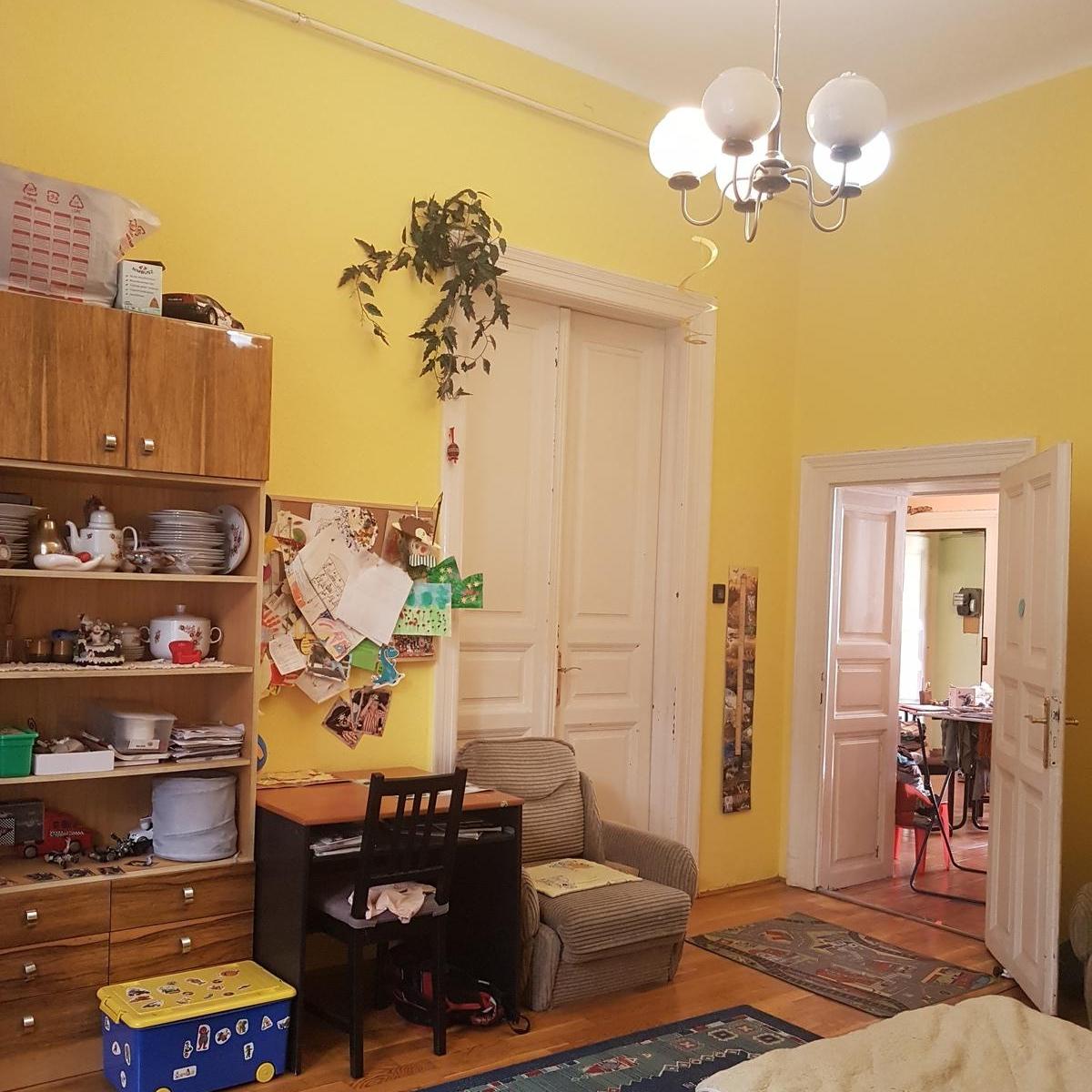 Eladó  téglalakás (Budapest, VI. kerület) 38,99 M  Ft