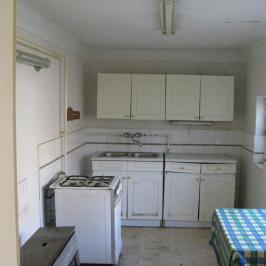 Eladó  családi ház (Battonya, Belváros) 4 M  Ft