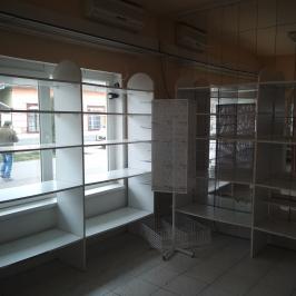 Eladó  üzlethelyiség utcai bejáratos (Újkígyós) 5 M  Ft