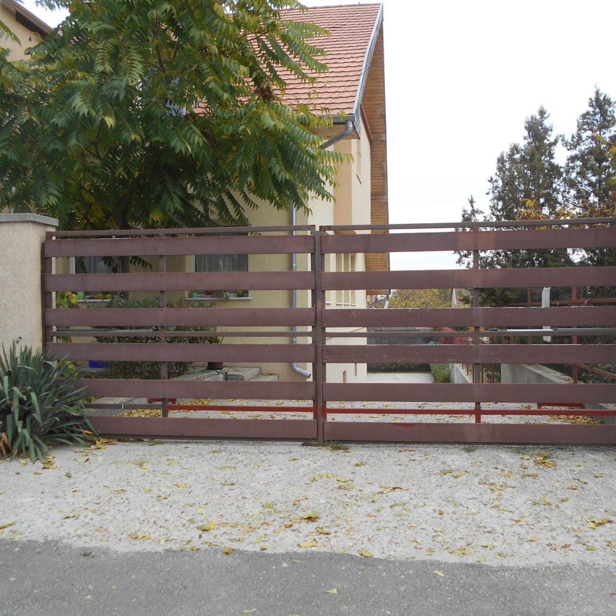 Eladó  téglalakás (Pest megye, Erdőkertes) 24,9 M  Ft