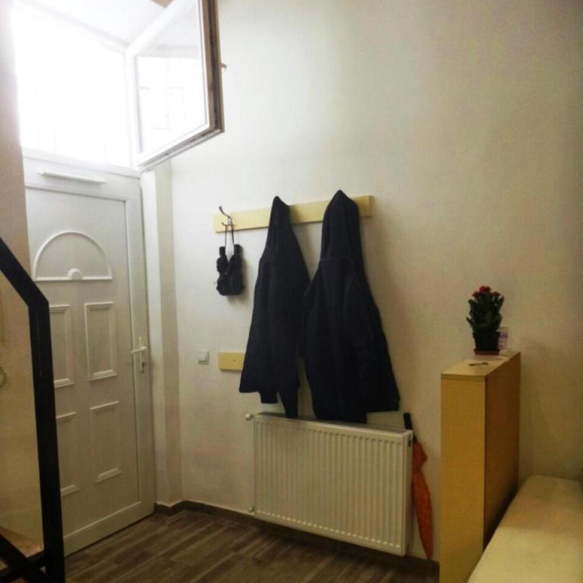 Eladó  téglalakás (Budapest, VI. kerületBudapest, VI. kerület, Vörösmarty u.) 35 M  Ft