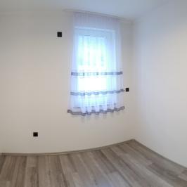 Kiadó  családi ház (Paks, Óváros) 260 E  Ft/hó