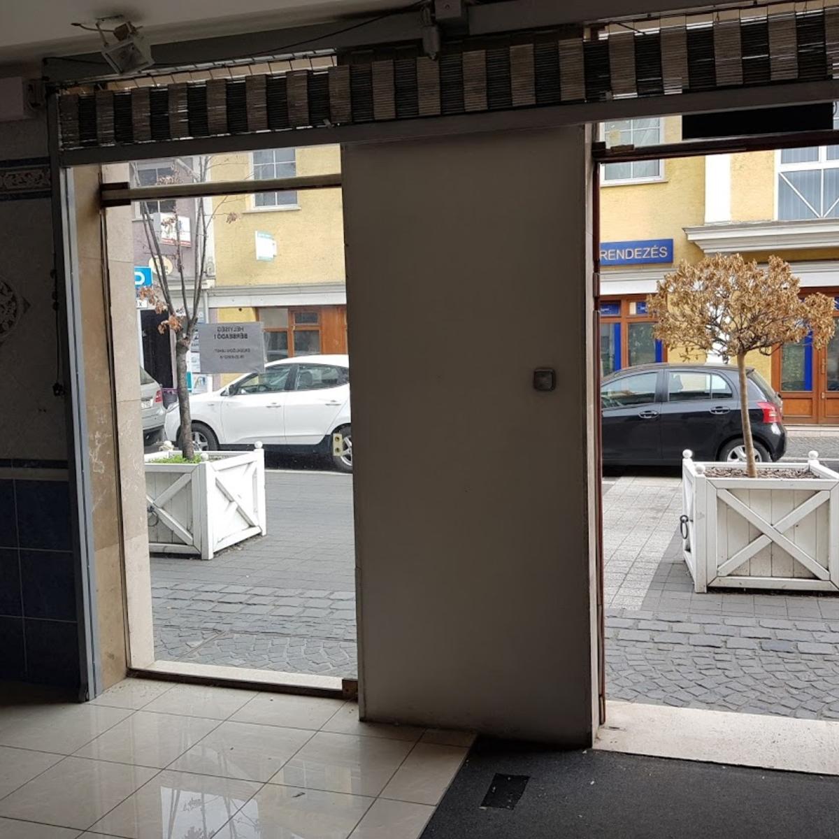 Eladó  üzlethelyiség utcai bejáratos (Budapest, III. kerület) 150 M  Ft +ÁFA