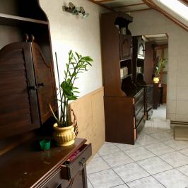 Eladó  családi ház (Nagyvenyim) 39,9 M  Ft