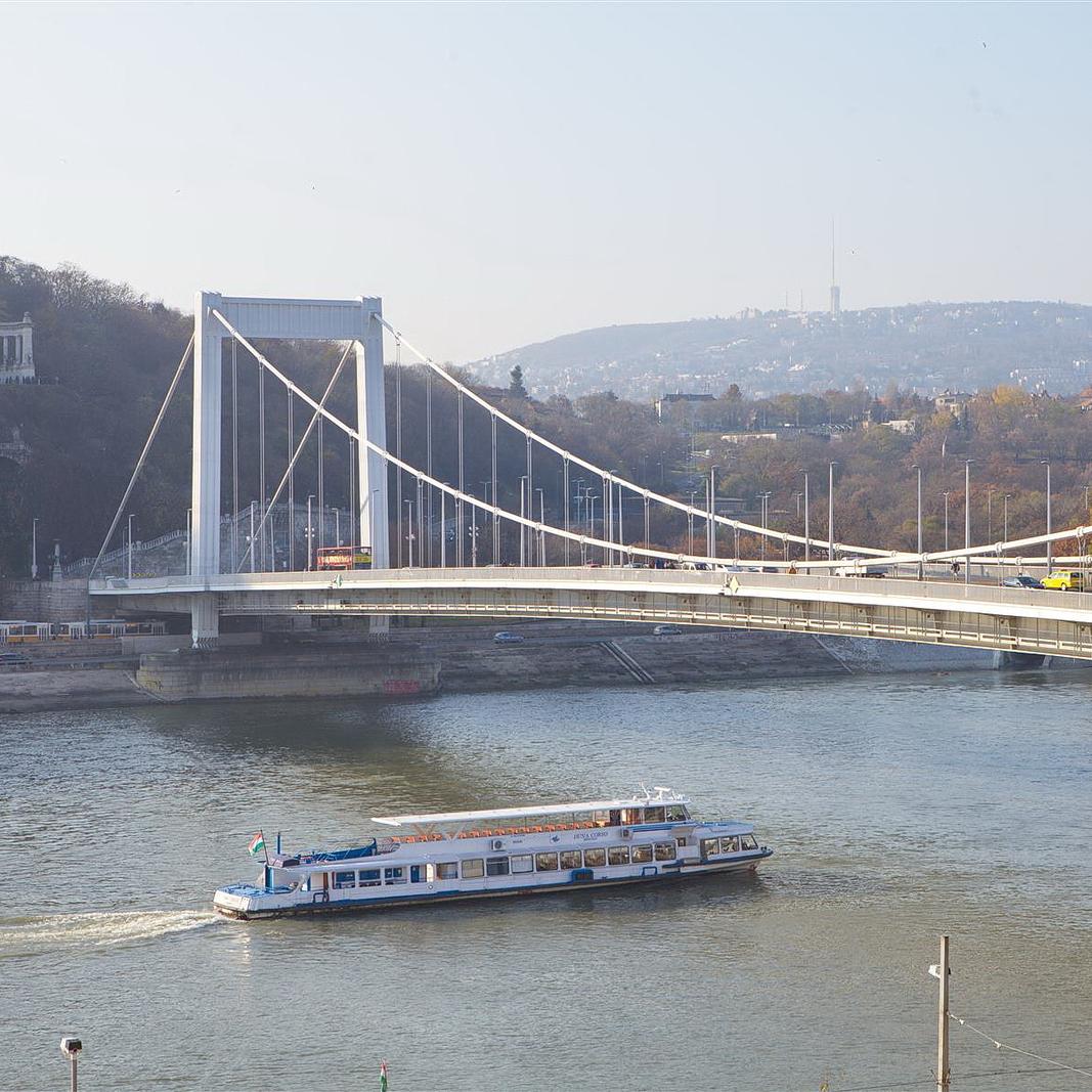 Kiadó  téglalakás (Budapest, V. kerület) 349 E  Ft/hó