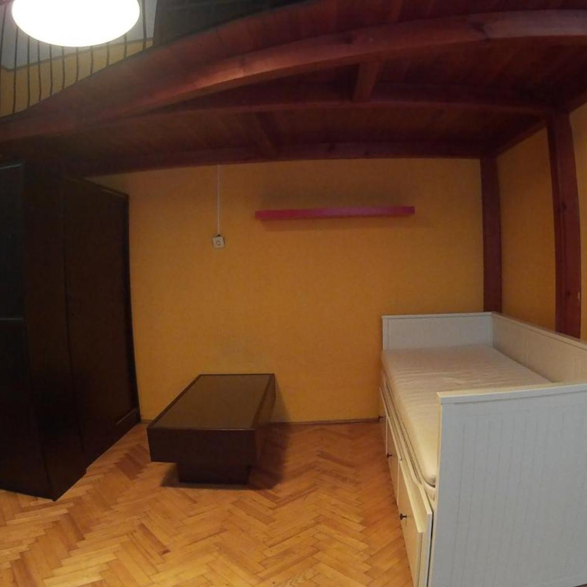 Eladó  téglalakás (Budapest, VI. kerületBudapest, VI. kerület, Nagymező u.) 26,5 M  Ft
