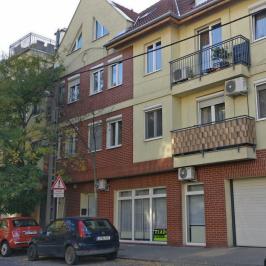 Eladó  üzlethelyiség utcai bejáratos (Budapest, IV. kerület) 31,5 M  Ft